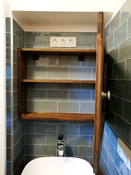 fürdőszobai felsőszekrény